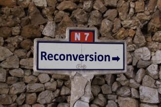 La reconversion, c'est plus nationale 7 qu'autoroute: débrouille et recherche de solutions